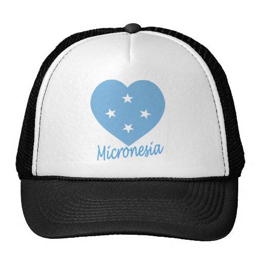 Corazón de la bandera de Micronesia Gorras De Camionero