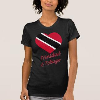 Corazón de la bandera de Trinidad y de Trinidad y Camiseta