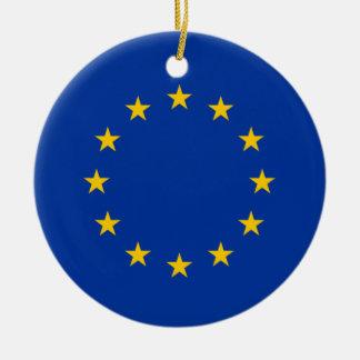 Corazón de la bandera de unión europea adorno para reyes