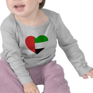 Corazón de la bandera de United Arab Emirates Camisetas