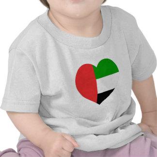 Corazón de la bandera de United Arab Emirates Camiseta