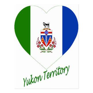 Corazón de la bandera del territorio del Yukón con Postal