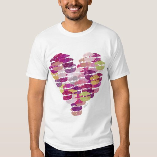 Corazón de la camiseta de los besos remeras