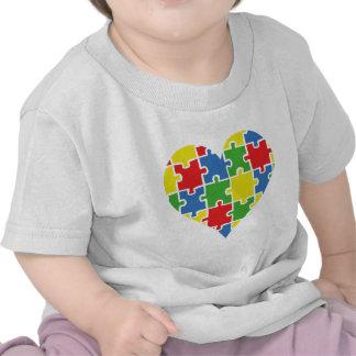 Corazón de la conciencia del autismo camisetas