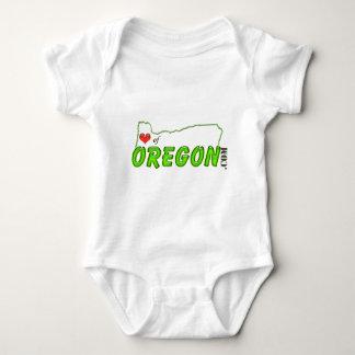 Corazón de la etiqueta de Oregon Remeras
