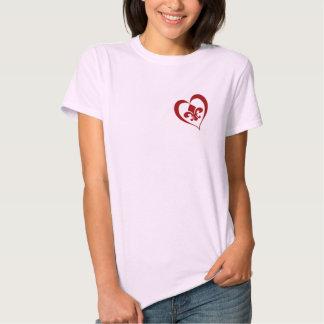 Corazón de la flor de lis playeras