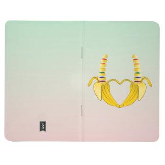 Corazón de la libertad del orgullo gay del plátano cuadernos
