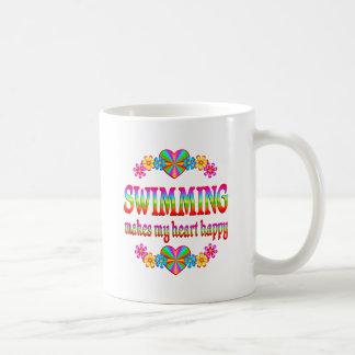 Corazón de la natación feliz taza de café