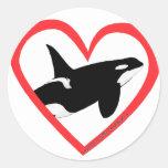 Corazón de la orca pegatina redonda