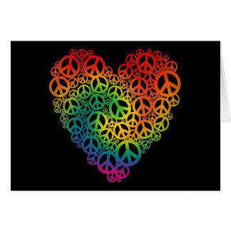 Corazón de la paz del arco iris tarjeta de felicitación