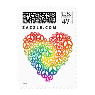 Corazón de la paz del arco iris timbres postales