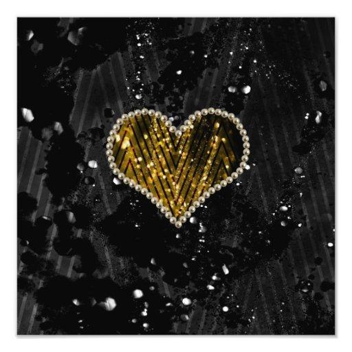 Corazón de la perla del oro fotografías