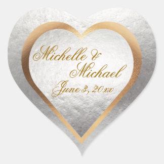 Corazón de la plata del oro de la invitación del pegatina en forma de corazón
