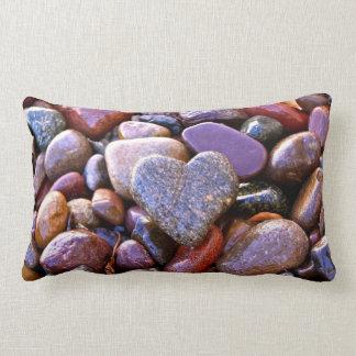 Corazón de la roca del río, almohada lumbar, verso