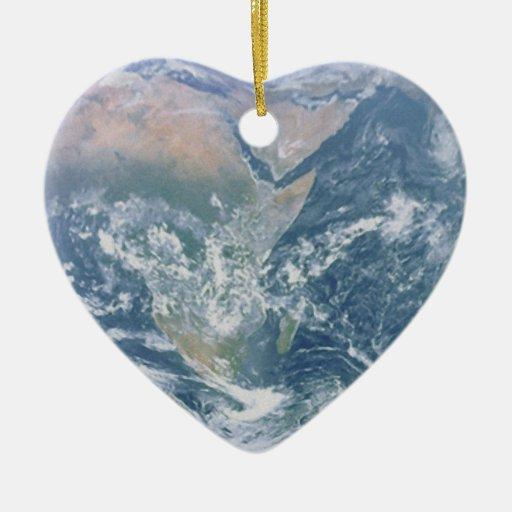 Corazón de la tierra adorno de cerámica en forma de corazón