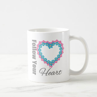 Corazón de las flores - siga su corazón taza