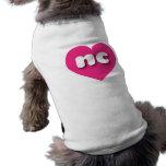 Corazón de las rosas fuertes de Carolina del Norte Camiseta Sin Mangas Para Perro