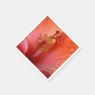 Corazón de las servilletas de papel del hibisco