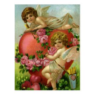 Corazón de los ángeles del Victorian del día de Postales