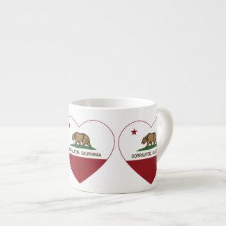 corazón de los corralitos de la bandera de Califor Taza Espresso
