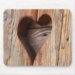 Corazón de madera tapete de ratones