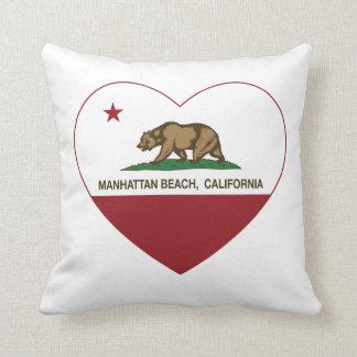 corazón de Manhattan Beach de la bandera de Califo Almohadas