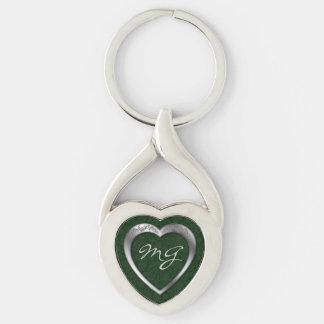 Corazón de plata con monograma en verde - llavero llaveros