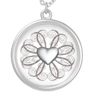 Corazón de plata de la voluta colgante redondo
