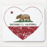 corazón de Sacramento de la bandera de California  Alfombrilla De Ratón