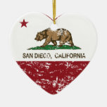 corazón de San Diego de la bandera de California Ornamento Para Arbol De Navidad