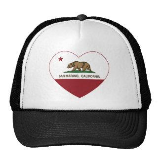 corazón de San Marino de la bandera de California Gorro