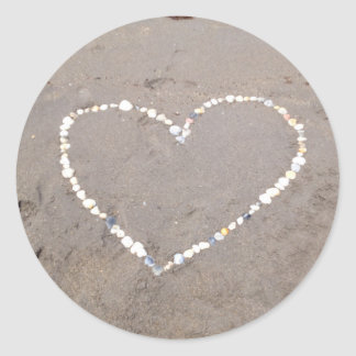 Corazón de Shell de la playa Pegatina Redonda