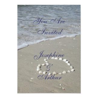 """Corazón de Shell en la playa de Sandy Invitación 5"""" X 7"""""""
