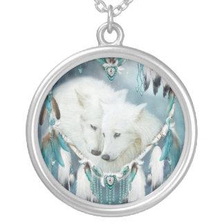Corazón de un collar usable del arte del lobo