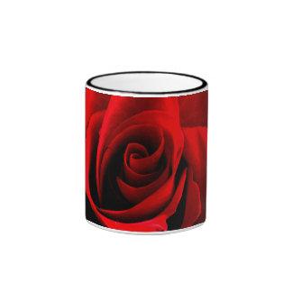 Corazón de un color de rosa tazas de café