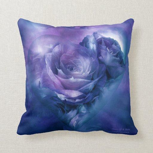 Corazón de una almohada azul del diseñador del art