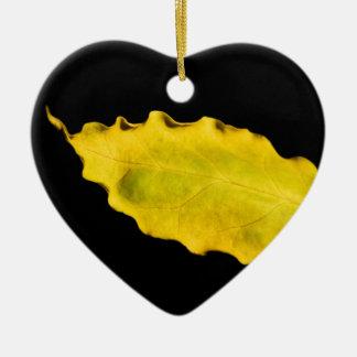 corazón de una hoja adorno navideño de cerámica en forma de corazón