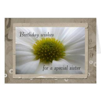 Corazón de una tarjeta de cumpleaños de la hermana