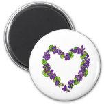 Corazón de violetas imán