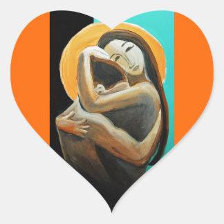 Corazón del abrazo de los amantes pegatina en forma de corazón