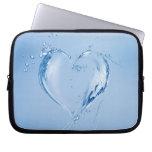Corazón del agua azul mangas computadora