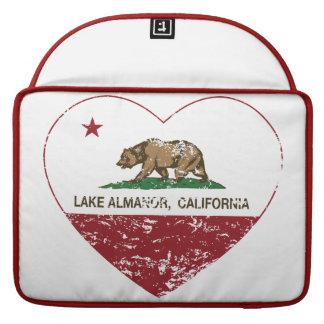 corazón del almanor del lago de la bandera de Cali Funda Para Macbook Pro