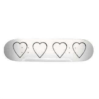 Corazón del amor con el borde del garabato tablas de skate