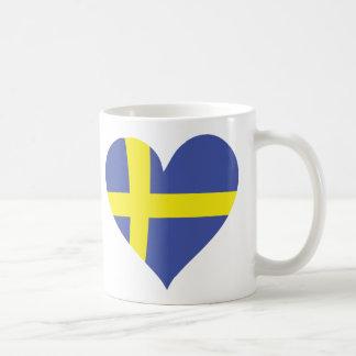 corazón del amor de Suecia - bandera sueca Taza Básica Blanca