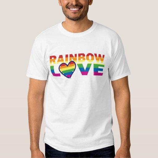 Corazón del amor del arco iris del orgullo gay playera