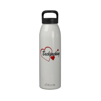 Corazón del amor que hace excursionismo 24oz. Bote Botella De Beber
