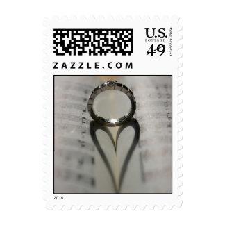 Corazón del anillo de bodas sello