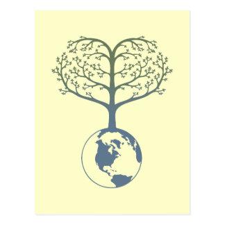 Corazón del árbol de la tierra postal