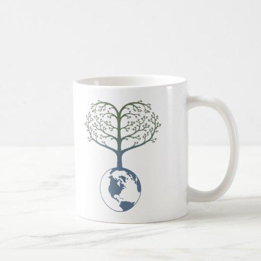 Corazón del árbol de la tierra taza