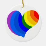 Corazón del arco iris adorno navideño redondo de cerámica